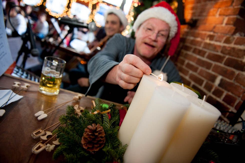 zum-schneider-nyc-2015-christmas-caroling-7759.jpg