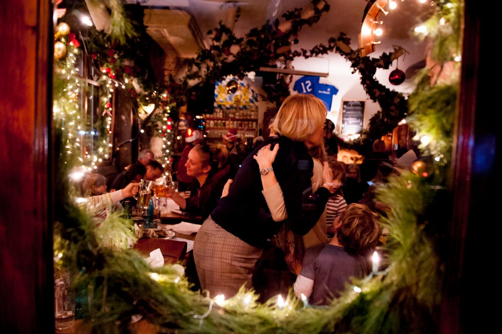 zum-schneider-nyc-2015-christmas-caroling-8009.jpg