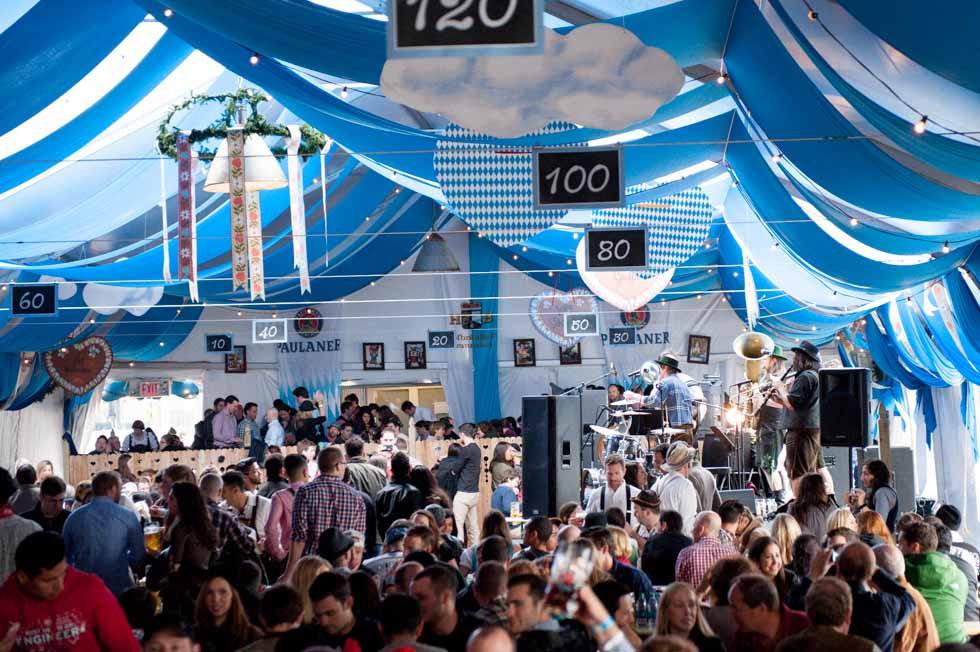 Oktoberfest Tent Munich On The East River In NYC Zum - 10 best tents to visit at oktoberfest in munich