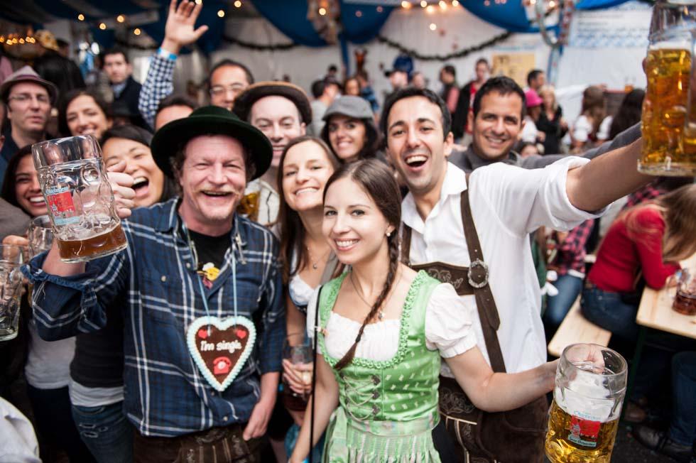 zum-schneider-nyc-2014-oktoberfest-munich-east-river-5292-2.jpg