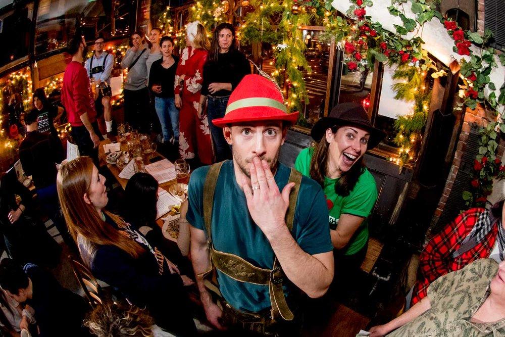 zum-schneider-nyc-2017-christmas-caroling-advent-singen-7237.jpg