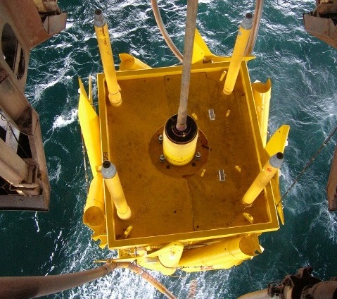Launching of subsea asset to sea floor