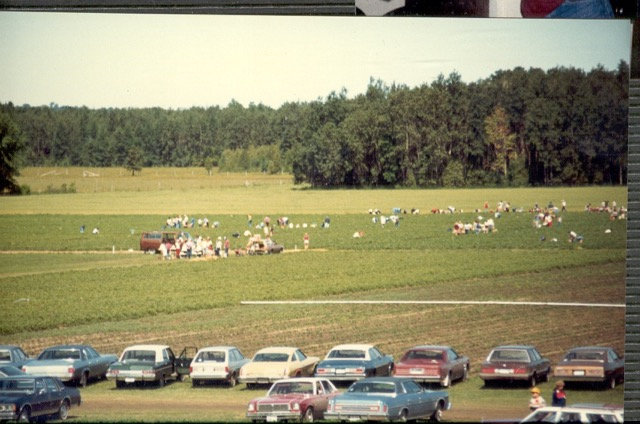 1982 berry pickers.jpeg