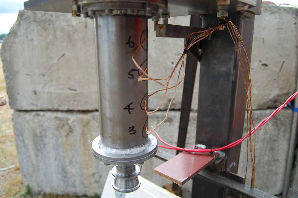 Rocket engine with spot-welded thermocouples