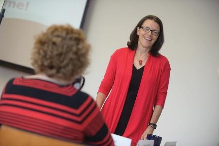 Professor Shapiro teaching at Simmons College School of Management.