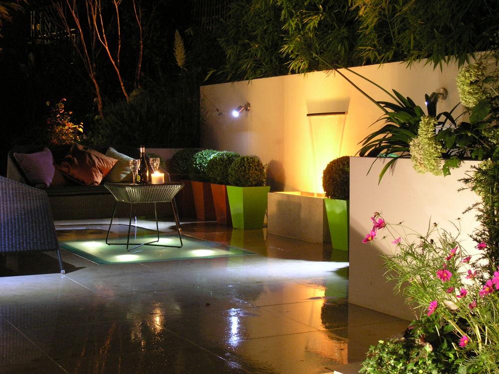 Formal Contemporary Living Living Gardens