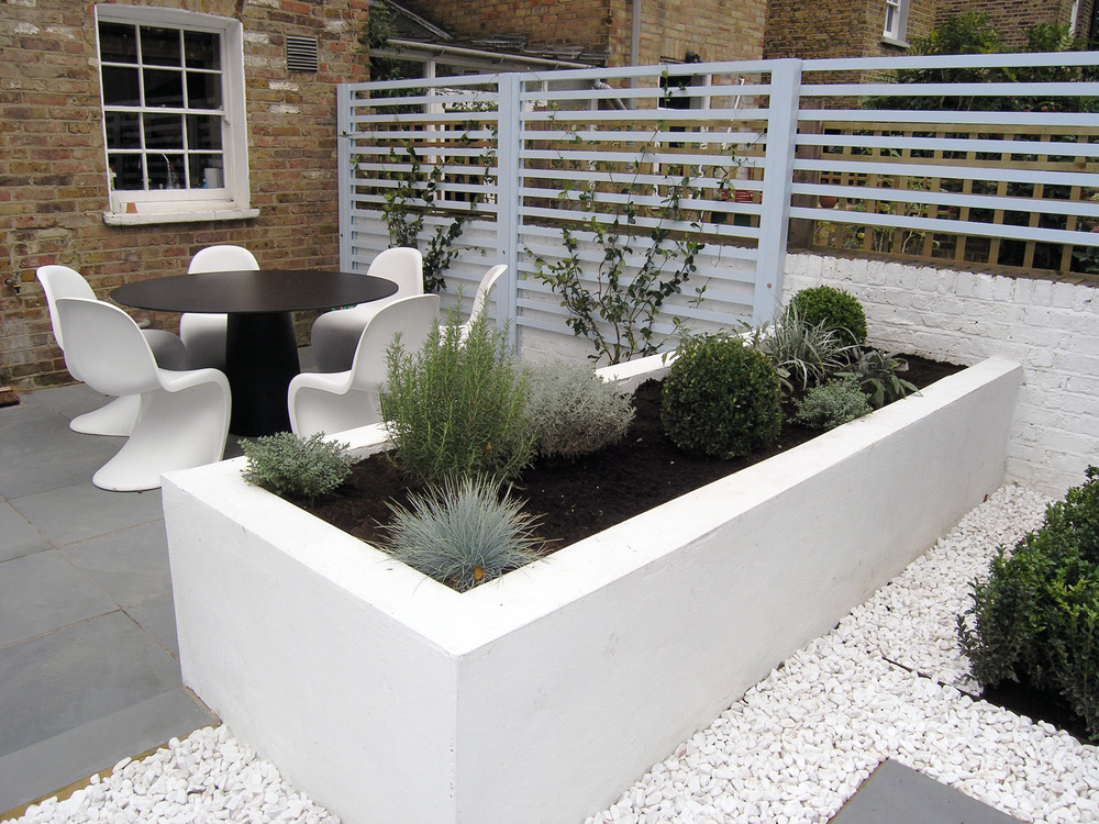 Contemporary back garden living gardens for Modern back garden designs