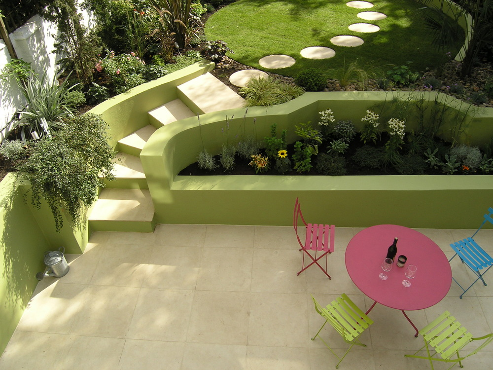 The lime lido living gardens for Tiered garden designs