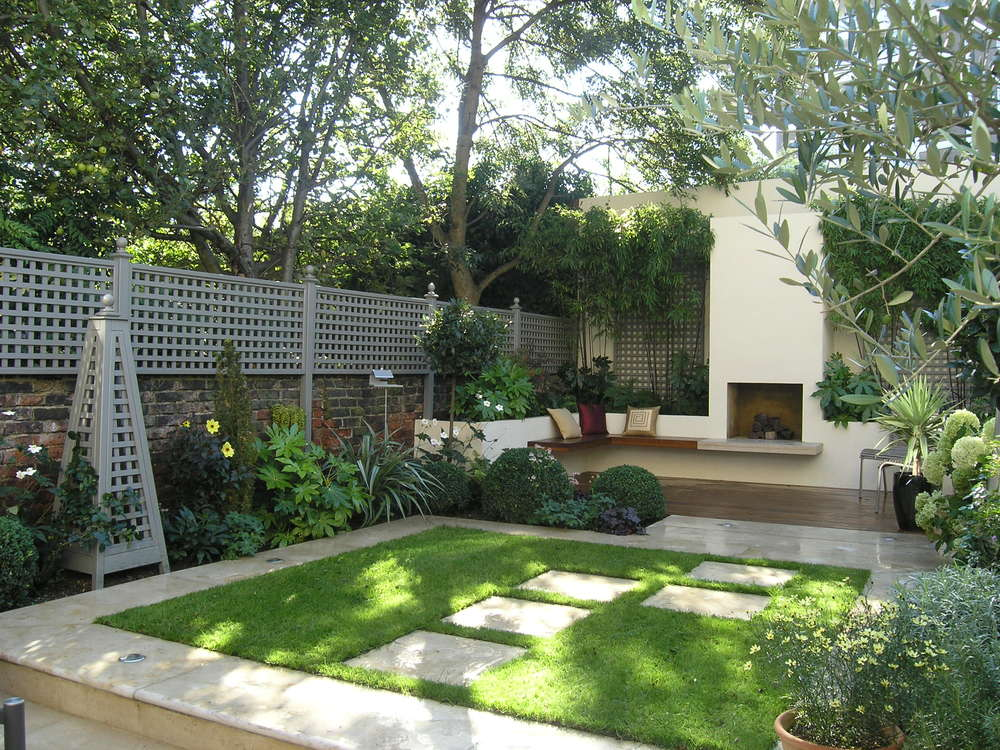 Living gardens for Modern house with garden