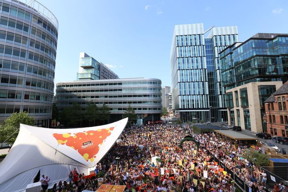 crowdshot2.JPG