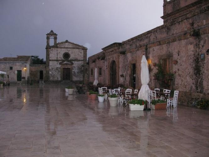 It rains even in Italy...  Joana, 2011