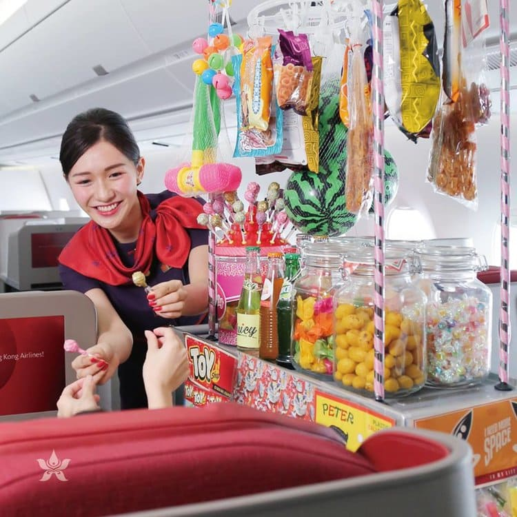 Hong Kong Airlines serving traditional candies