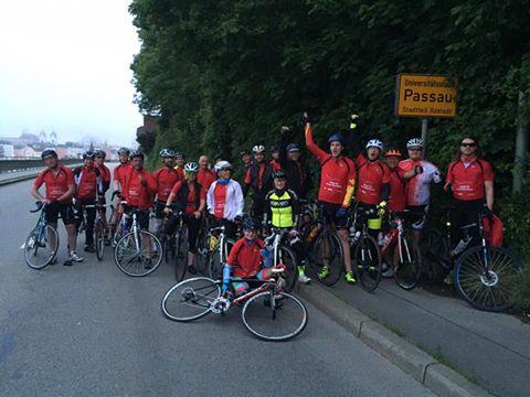 Um 5:00 morgens startet die erste Gruppe in Passau