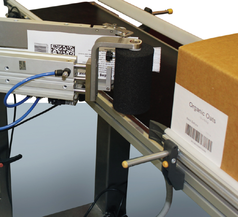 Label length up to 100mm x 350mm can be accommodated on the applicator. The label size can be changed on the fly with no tooling changes required.