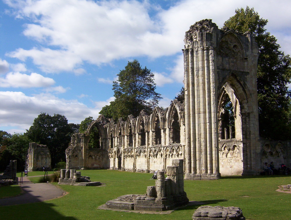 St Mary's Abbey Ruins - Photo Credit: Wikipedia Photo Commons.