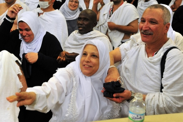 jamarat ritual - stoning of satan_2.jpg