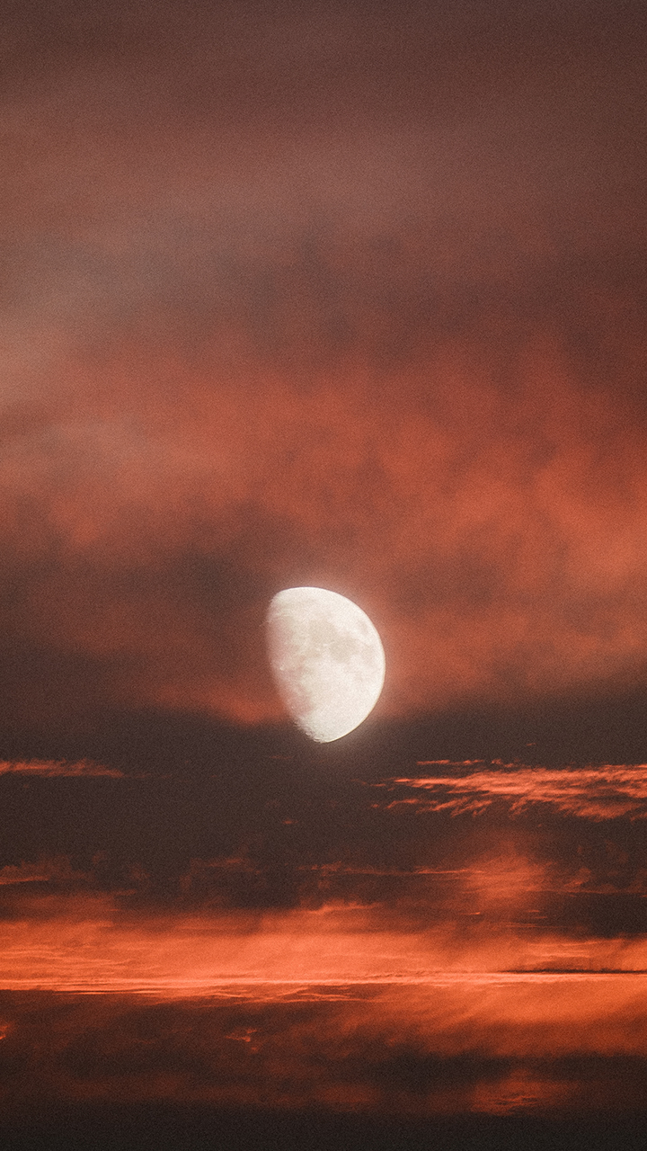 moon wallpaper2.jpg