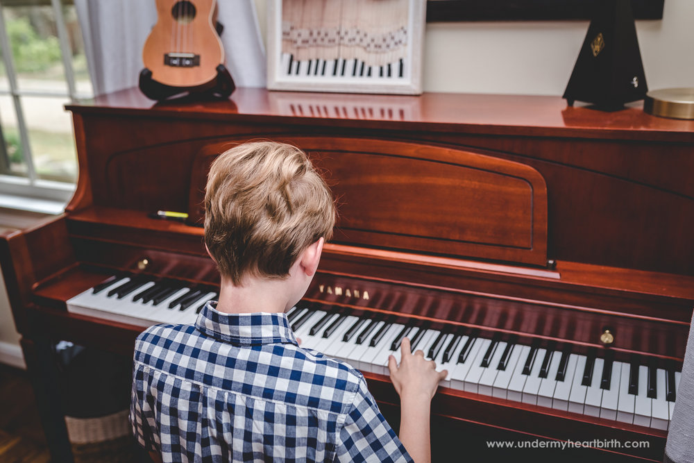 piano-playing-photos