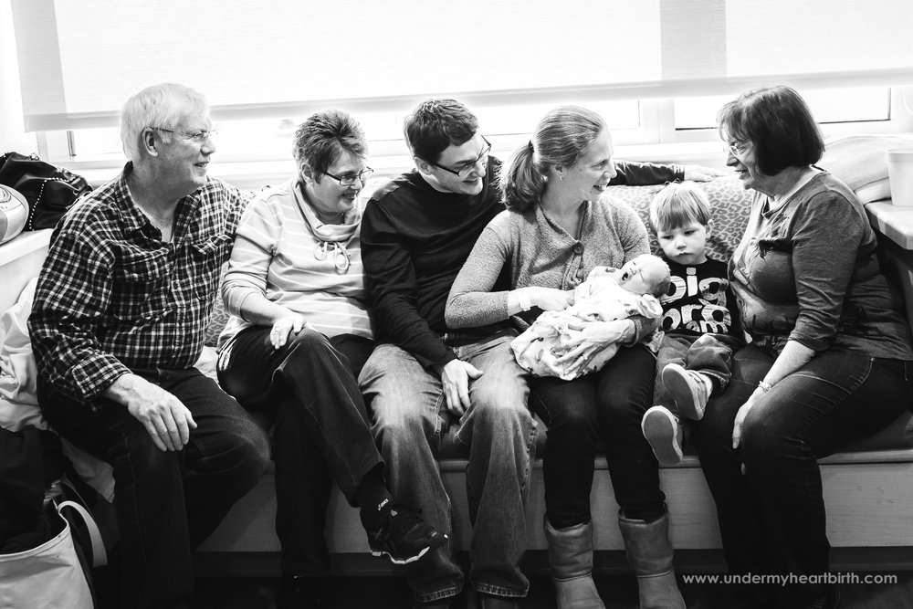 whole family after birth of newborn in pittsburgh