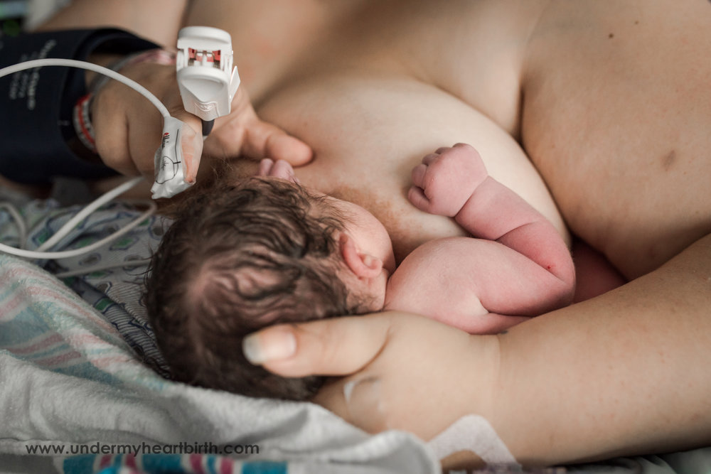 breastfeeding baby after birth
