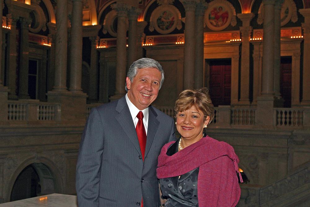 e Mastercard Lbirary of Congress, OAS dinner Nov 2005 007.jpg