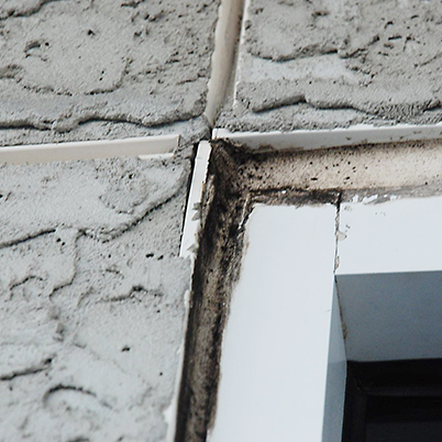 Control joints allowed saltwater to seep into the stucco.