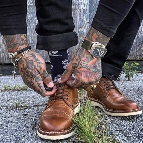 Tattoo, SOCK'M & style!  PHOTO:: @inn8chiro  Not #fashion .Not accesories.  #neversettle