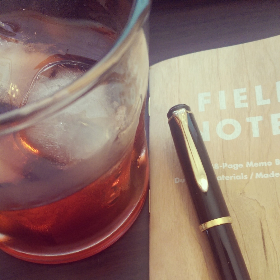 Pelikan M205, new Field Notes Shelterwood edition and a Negroni.