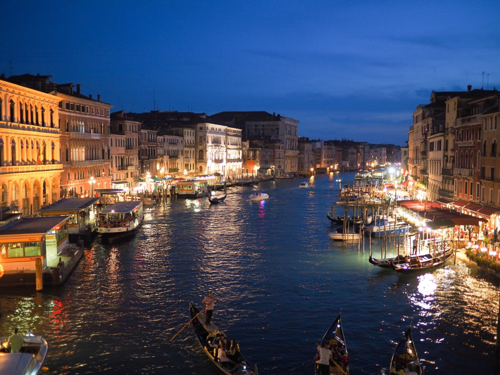 venice-grand-canal-italy-europe-night-illuminated.png