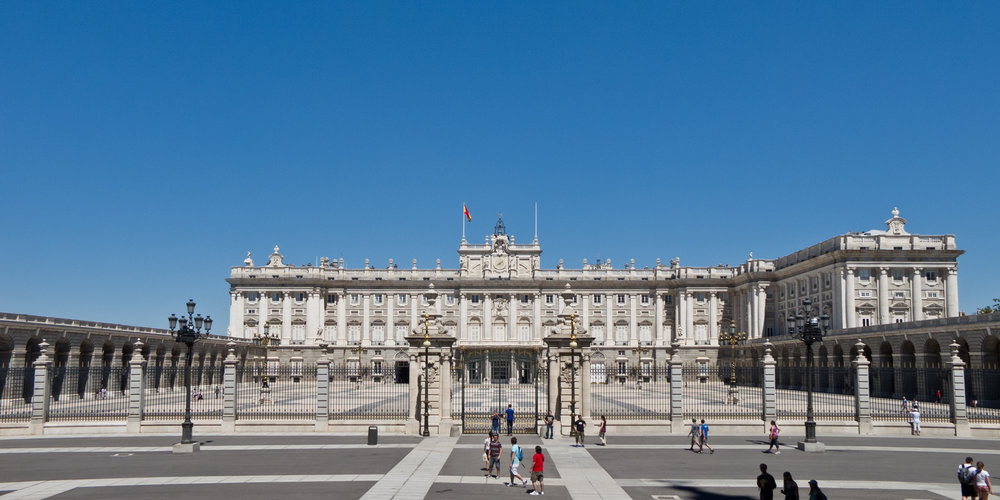 Palacio_Real_de_Madrid_-_03.jpg