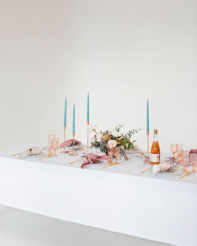 This beautiful Norwegian styled shoot is up on @greylikes blog today! Check link in bio for all the prettiness and list of the amazing vendors involved. 💜  #studioA #studioelevn