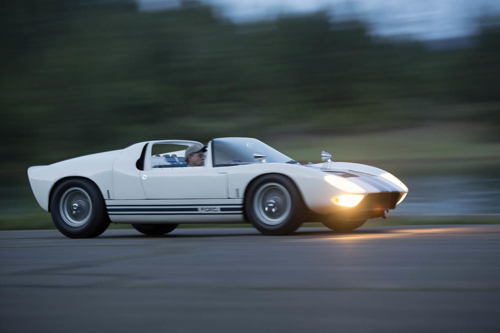 1965-ford-gt40-roadster-prototype-24-1.jpg