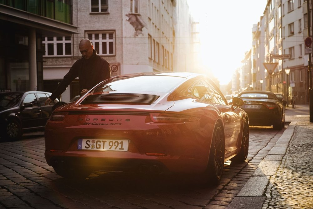 a-closer-look-at-the-2015-porsche-911-carrera-gts-6.jpg