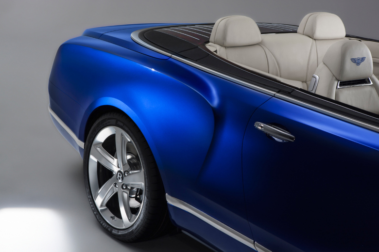 a-mansion-on-wheels-bentley-releases-its-grand-convertible-4.jpg