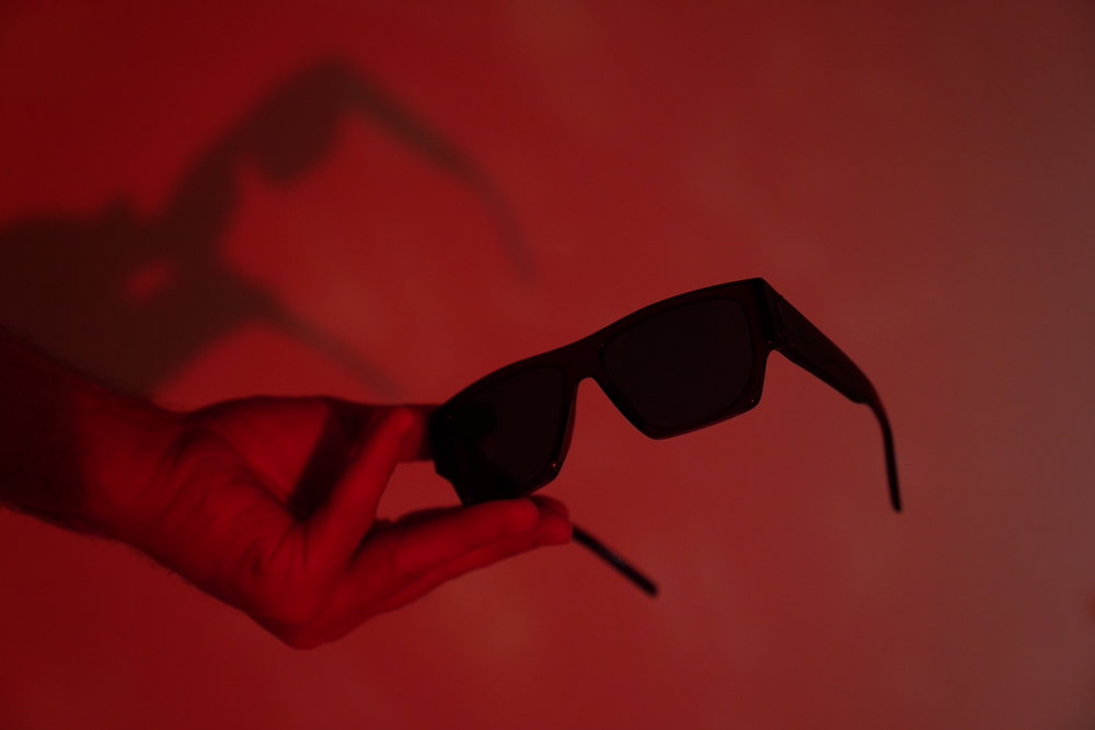 sunglasses: Saint Laurent ( Deluxe Hellas )