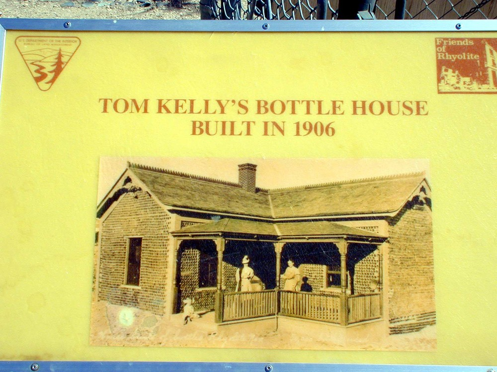 Tom Kelly's bottle house built in 1906