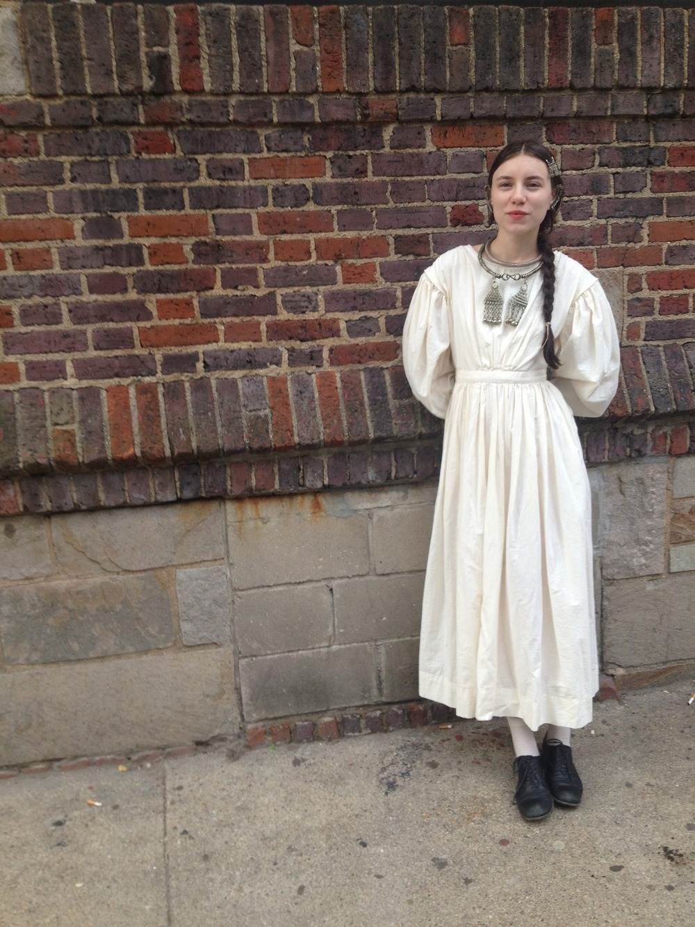 This is the third dress I've made from my favorite pattern- based on an extant American dress from the 1830s. For the others I used cotton calicos but I chose unbleached muslin for this version.