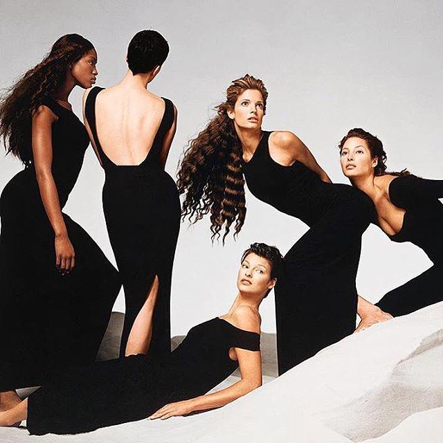 #gianniversace ad photographed by #richardavadon in 1993. @iamnaomicampbell @cturlington @lindaevangelista #vintagefashion #fashionphotography