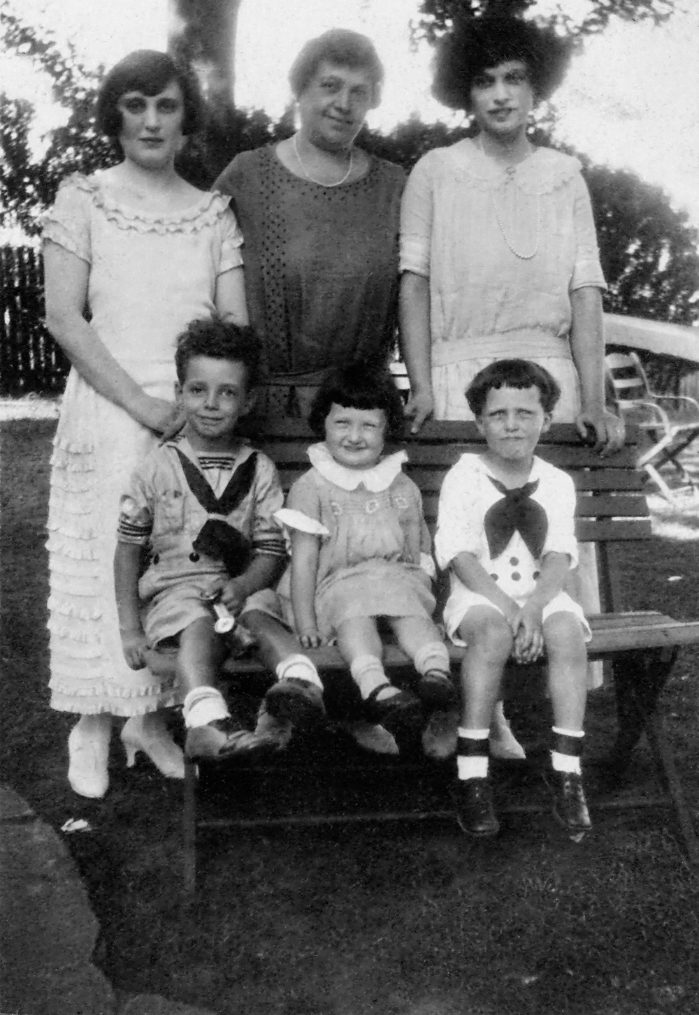 Isabel, Bessie and Kathryn; Doug, Jean and Radford
