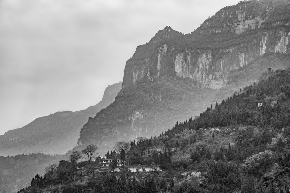 160312 Yangtze 109-1 edit2 bw.jpg
