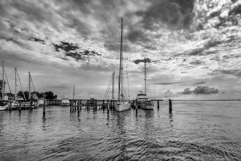 160730 Annapolis 25-1 flt bw.jpg