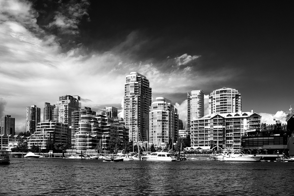 160714 Vancouver 150-1 bw.jpg