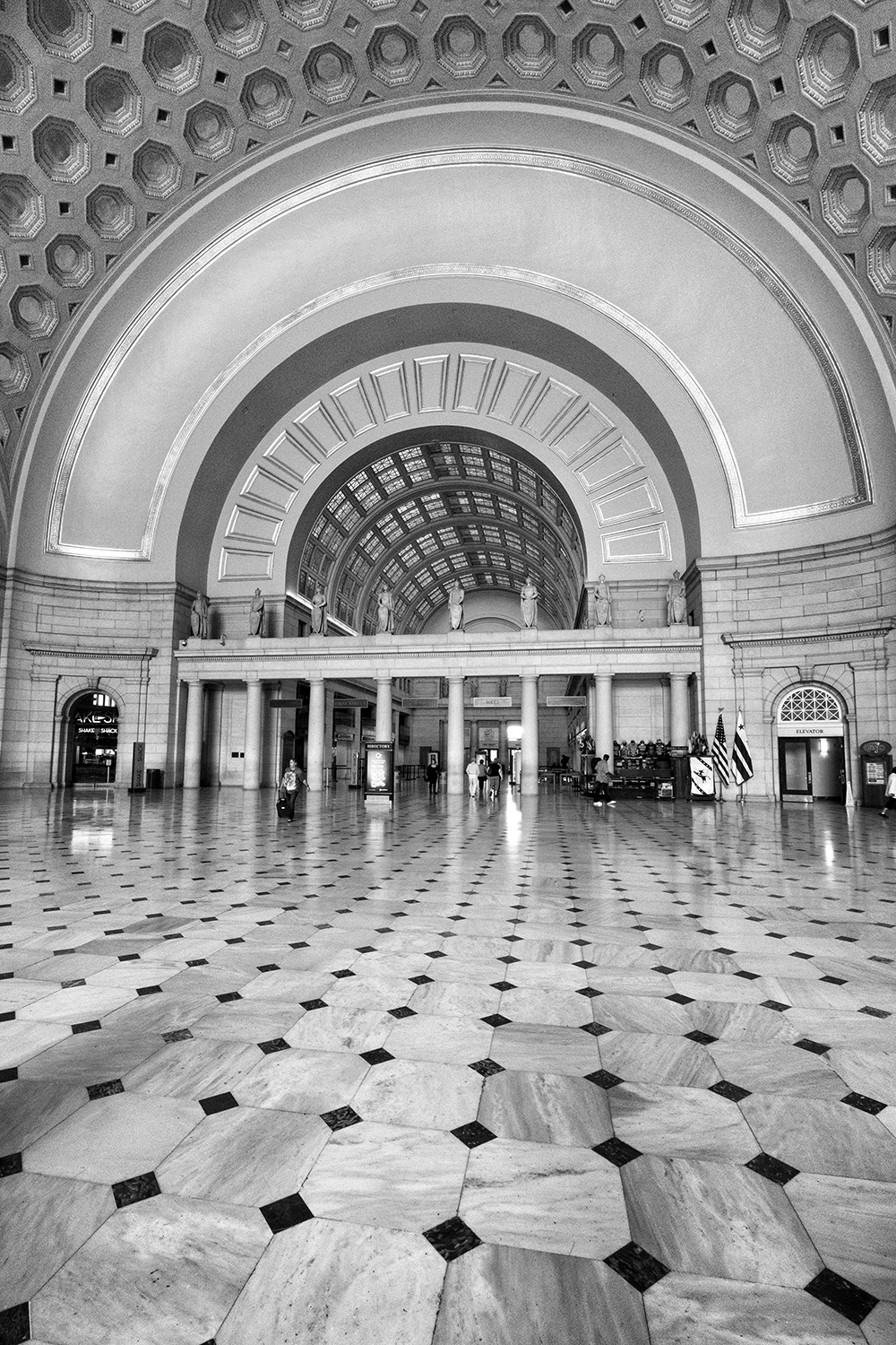 160924 Union Station 29-1 bw.jpg