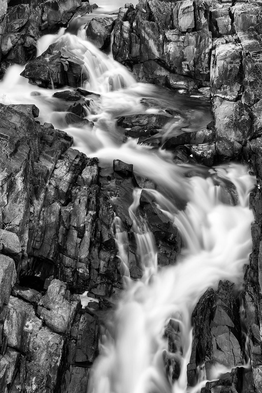 161207 Great Falls 35-1 bw.jpg
