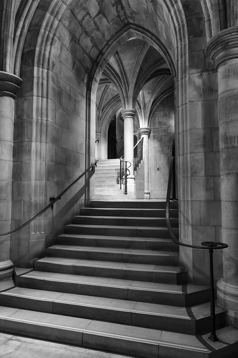 170216 Cathedral 115-1 flat bw.jpg