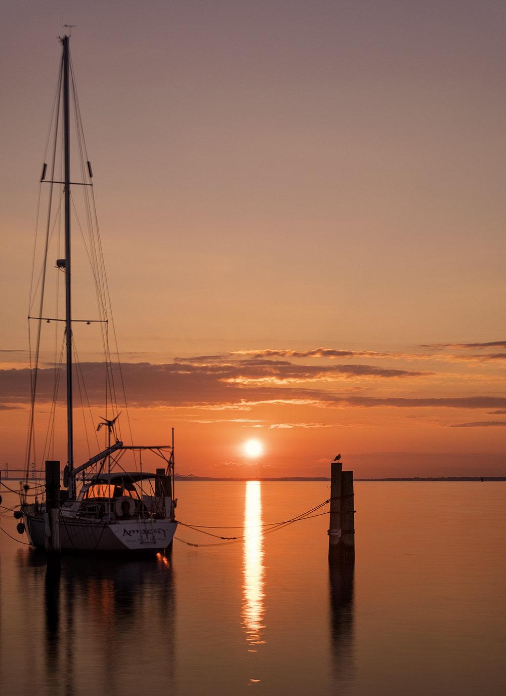 180903 Annapolis Sunrise 68-1 alt 16x22.jpg