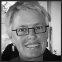Julie is a copywriter & web consultant for education, training and B2B.