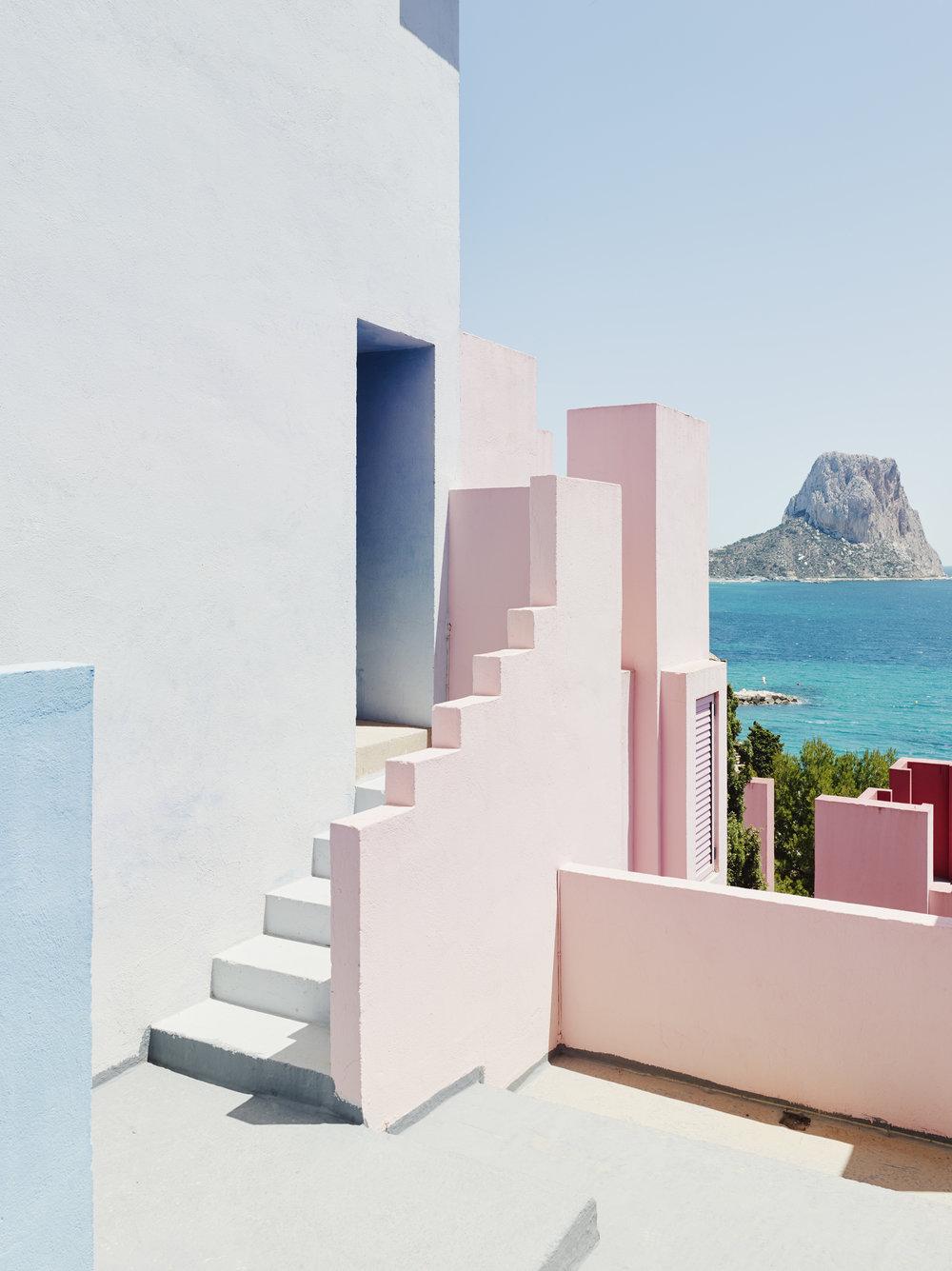 Muralla_Roja_Calpe_Spain_Ricardo_Bofill_Taller_Arquitectura_013.jpg