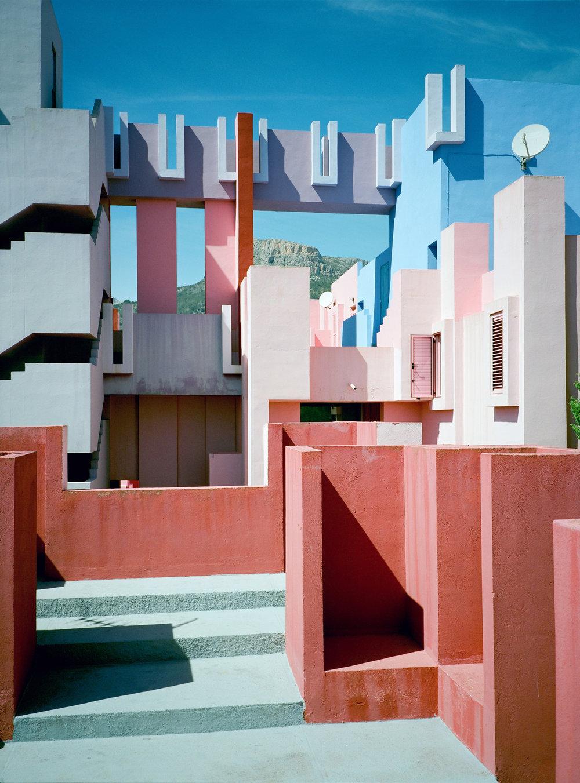 Muralla_Roja_Calpe_Spain_Ricardo_Bofill_Taller_Arquitectura_19f.jpg