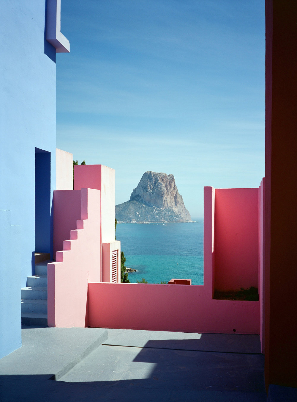 Muralla_Roja_Calpe_Spain_Ricardo_Bofill_Taller_Arquitectura_19h.jpg